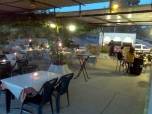 terraza de noche bar suiza